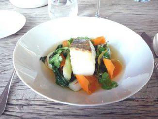 Cabillaud d'Oléron, bouillon de boeuf, légumes du marché