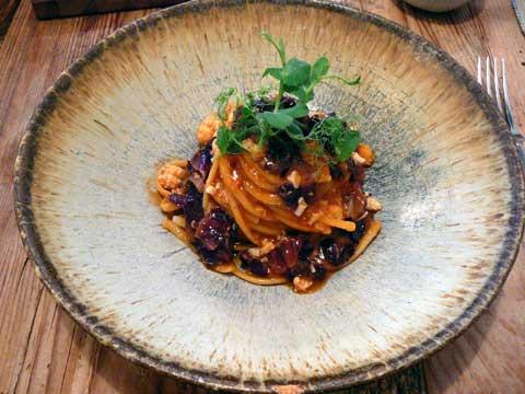 Linguine, langoustine, radicchio et sauce tomate