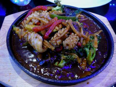 Calamars sauce Hong Kong sur plaque chauffante