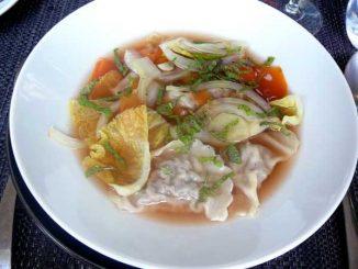 Ravioles de bœuf aux champignons, légumes du moment et émulsion au parmesan