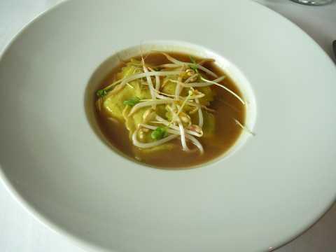 Ravioles d'artichaut dans son bouillon japonisant
