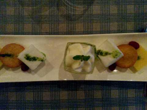 Tarte au citron vert revisitée, sorbet mojito, pistou parfumé à l'huile d'olive et menthe
