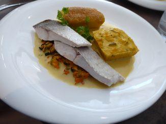 Filet de féra cuisson basse température sur velouté de moules safrané