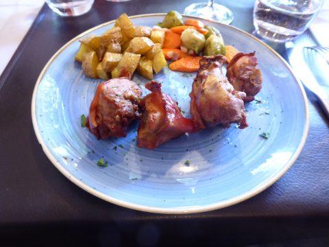 Porceddu sardo al forno con patate e verdure