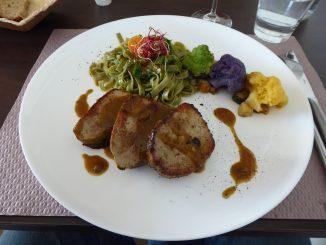 Grenadin de veau et son jus, légumes confits, tagliatelle vertes