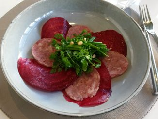 Saucisson Sabodet et betteraves rouges