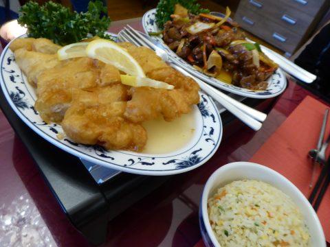 Boeuf Sichuan et poulet au citron, riz cantonais