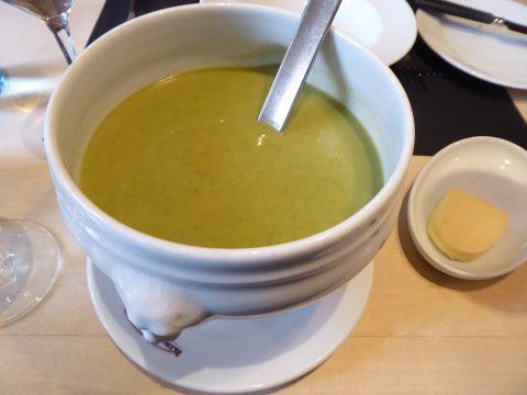 Soupe à la crème de choux vert