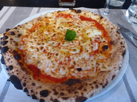 restaurant Mediterraneo à Monthey : Pizza Margherita