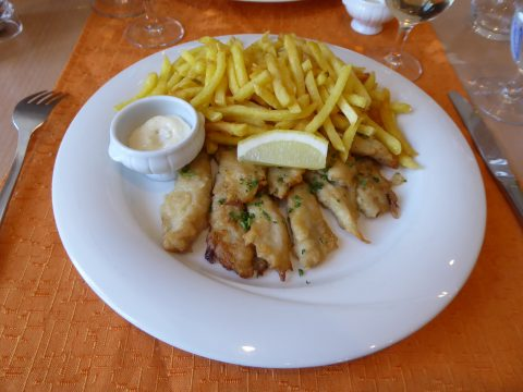 Filets de perche, frites