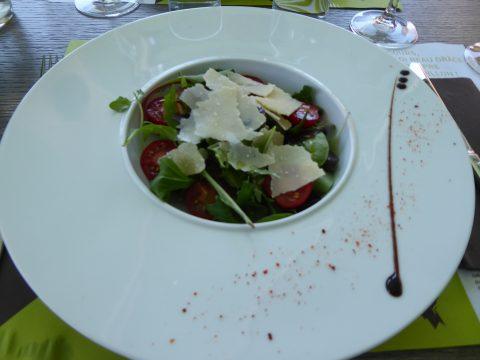 Saladine de saison aux copeaux de parmesan