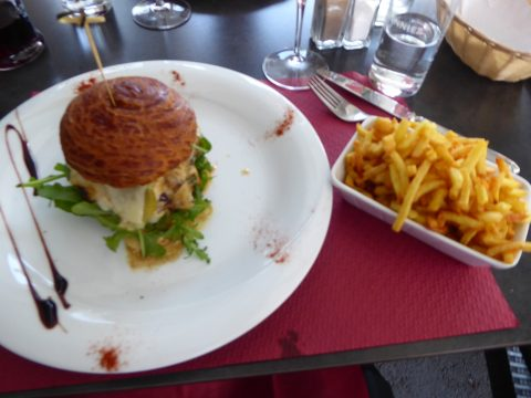Restaurant Le Philosophe, St-Maurice : Hamburger du Chef