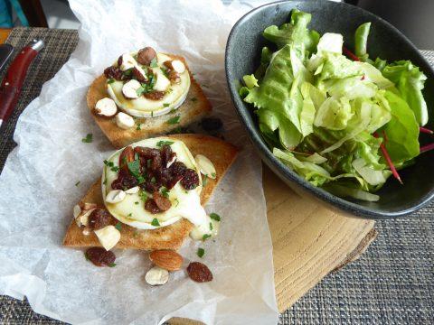 Toast de chèvre de Serge Kursner à Gimel, salade