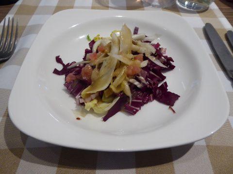 Salade d'endives aux fruits et aux noix