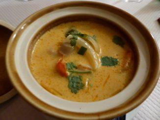 Soupe aux crevettes et à la citronnelle