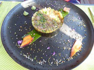 Tartare Japonais : thon rouge, wakamé, gingembre, wasabi & huile de sésame