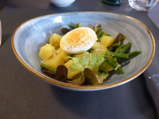 Salade pomme de terre, haricots verts, oeuf