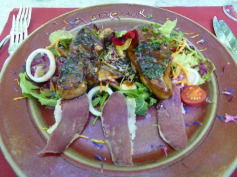 Restaurant Auberge de la Cergniaulaz – Les Avants / Montreux : Salade gourmande au foie gras poêlé
