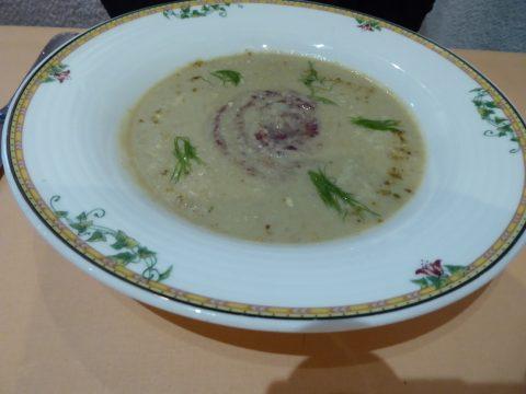 Feicajou Kalamata : soupe légère de fenouil au wasabi et noix de cajou et pesto d'olives de Kalamata