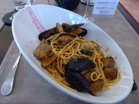 Spaghetti aux moules et aux vongole