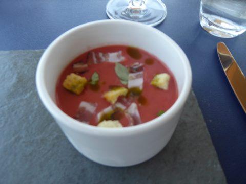 Gaspacho aux fraises, lard